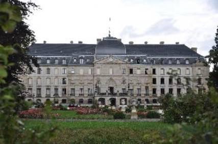 Schloss_zu_Fuerstenberg.jpg